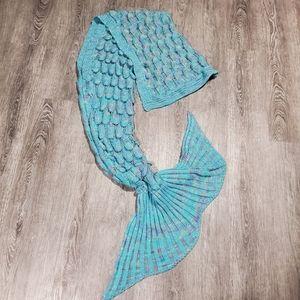 Mermaid Tail Throw